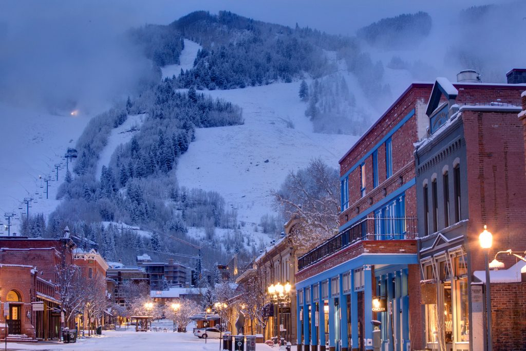 romantic-mountain-towns-in-colorado