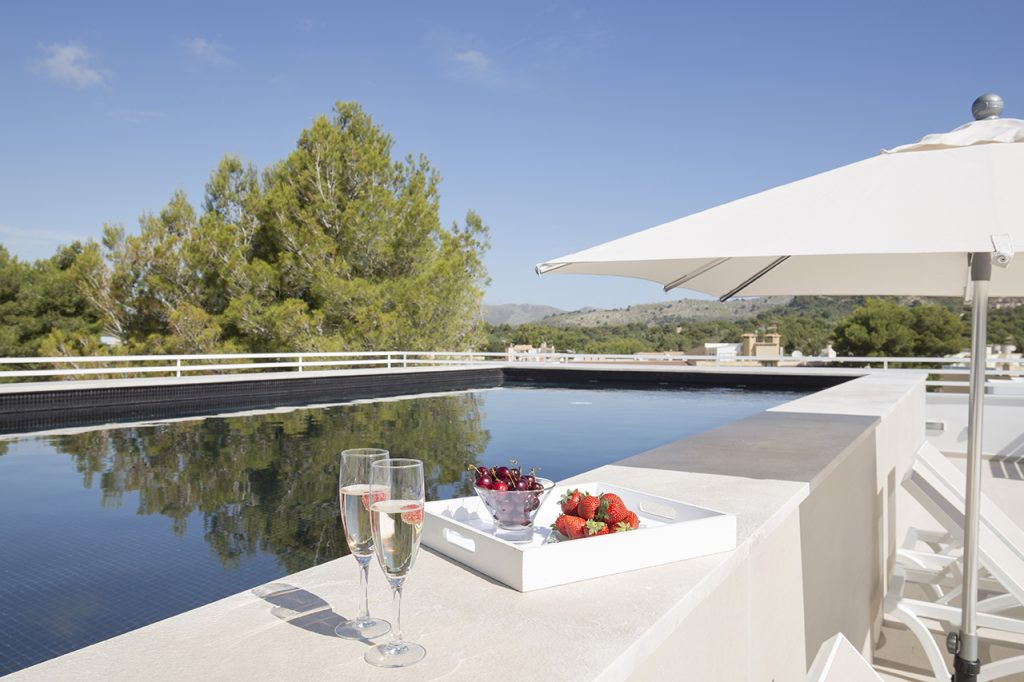 An exclsuive pool area of the Canyamel Park Hotel and Spa