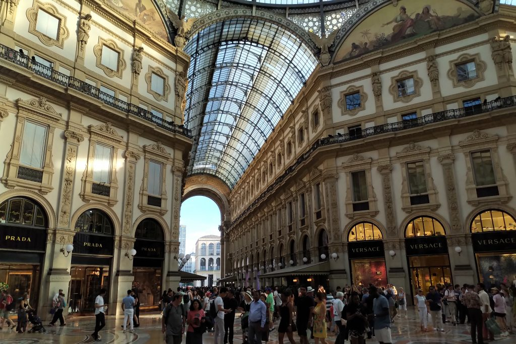 Hotel Rosa Grand in Milan is just 1-minute walk from fantastic Milan