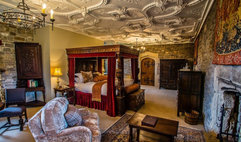 Room in Thornbury Castle at Christmas