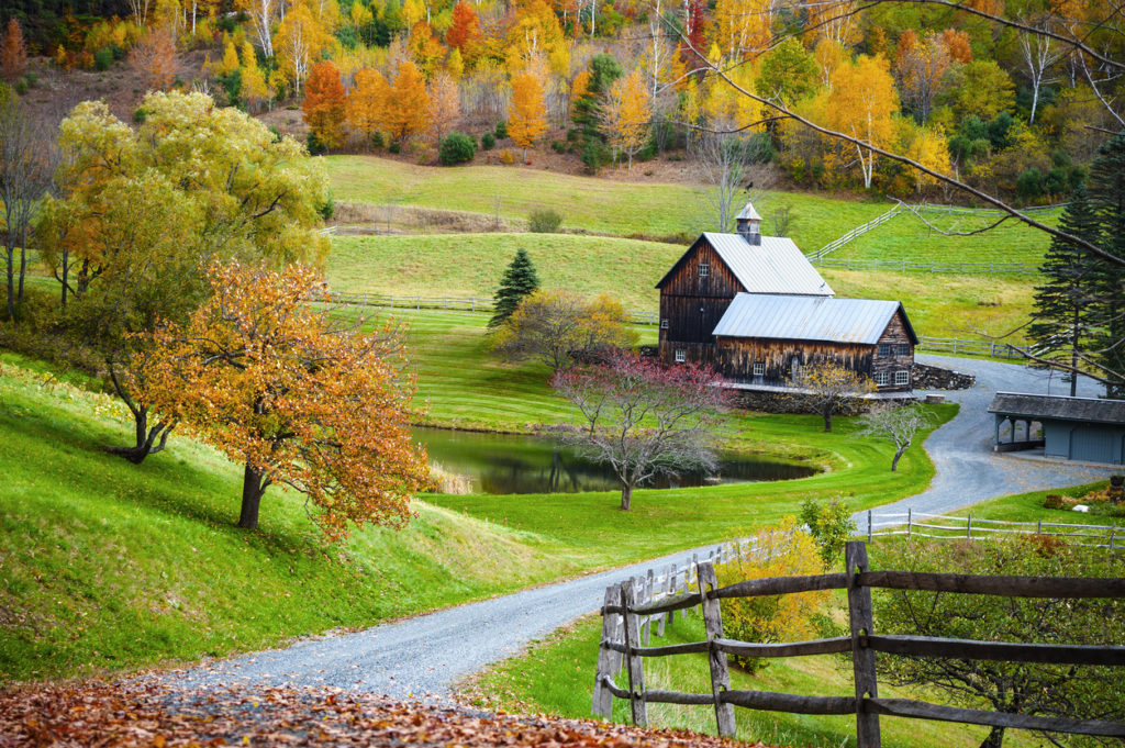 Fall foliage, New England countryside at Woodstock, Vermont