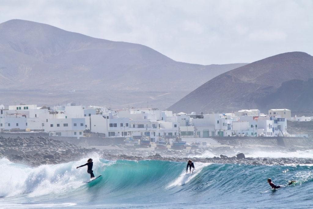 Surfing La Santa Lanzarote