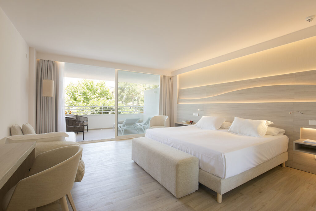 Junior-Suite-at-the-Canyamel-Park-Hotel-Spa