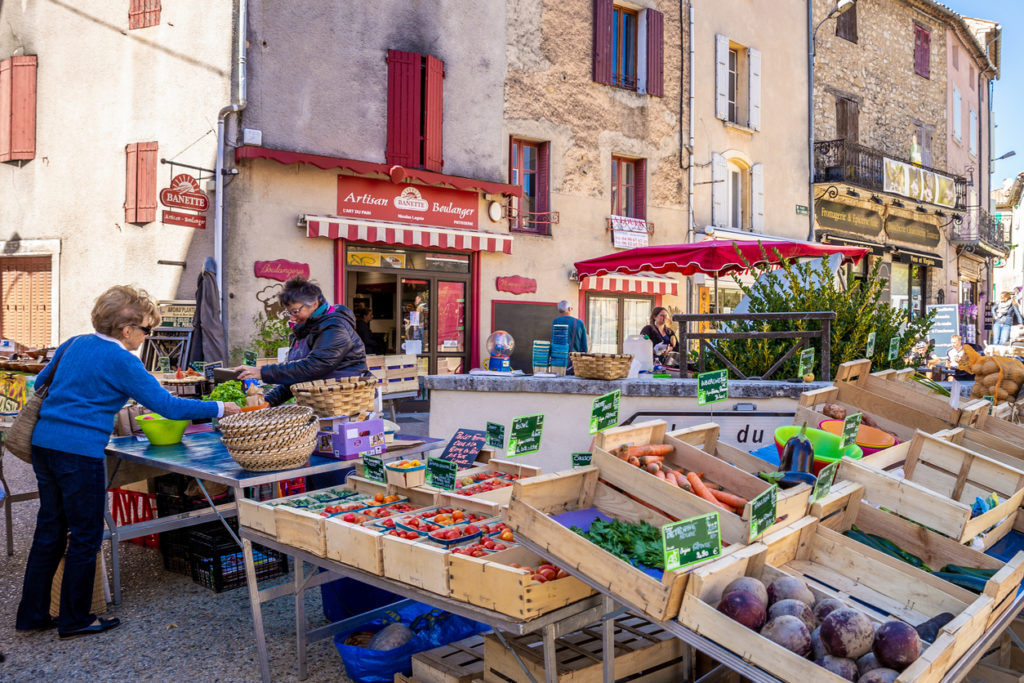 Fresh products market in Provence