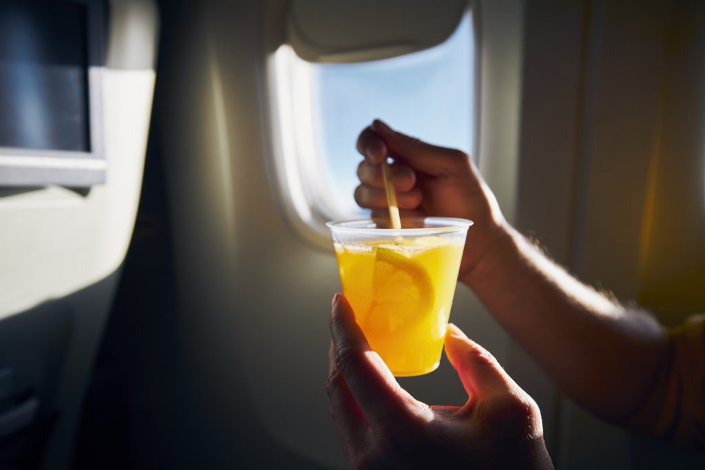 Traveling Makes You Dehydrated and Tips To Avoid It